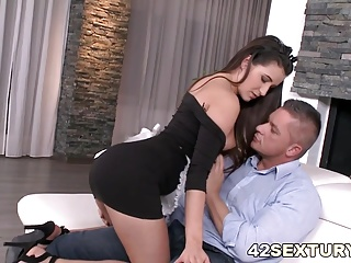 Cindy Loarn gets double penetrated