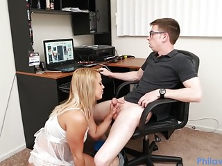 PHILAVISE- Dude gets a beeg from stepsis while playing games