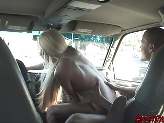 Lichelle gets fucked on the overpass, public places!